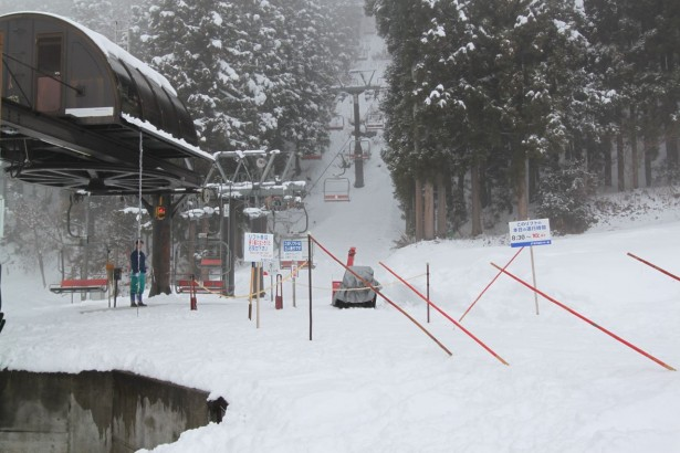 The whole tresort is open but stll pretty quiet! No waiting in lift lines today