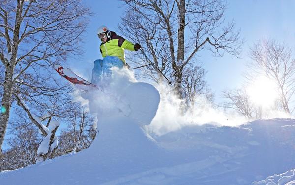 Lubo hits a snow beanie at Yamabiko.