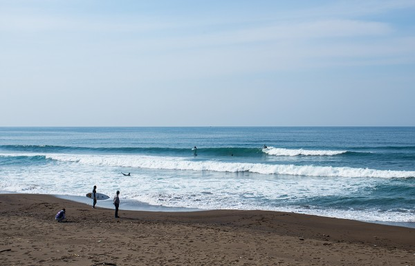 The beach not far from Nozawa. Mid season surf trip.